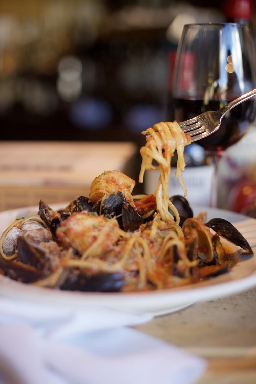 la-famiglia-ristorante-italiano-reno-pasta