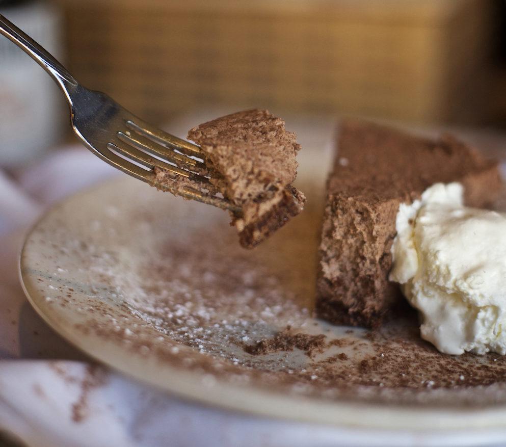 la-famiglia-ristorante-italiano-chocolate-mousse-cake